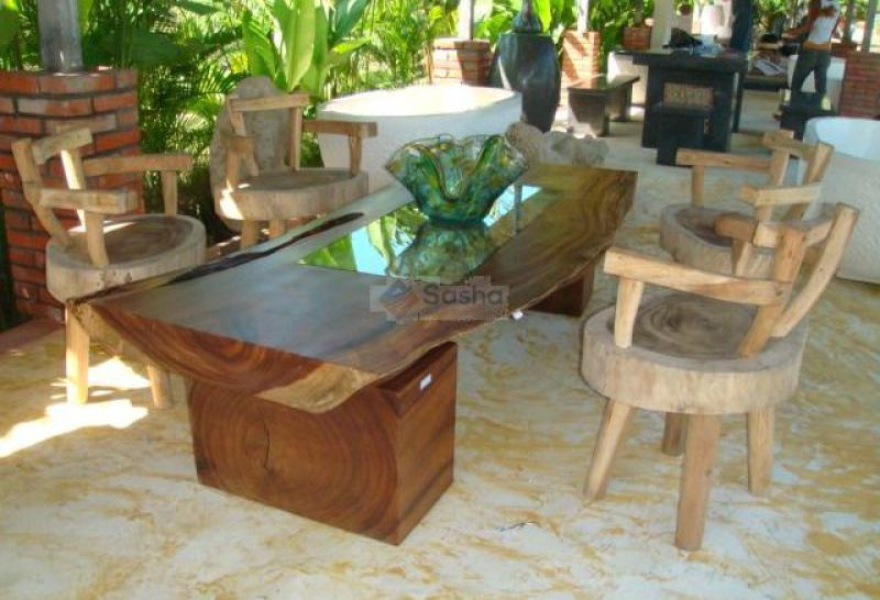 Our selection of solid wood and natural material furniture. We export furniture from teak, recycled teak, mahogany, Natural rattan, synthetic rattan, bamboo, banana leaves, coconut, water hyacinth and more.